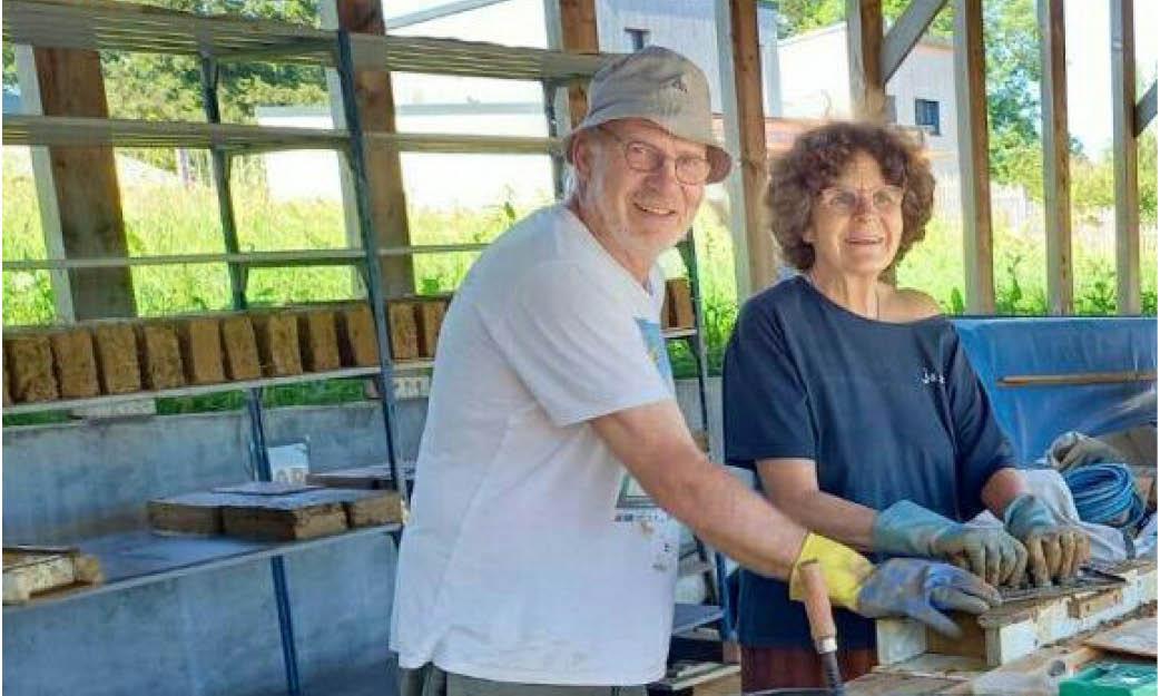Du 3 au 13 août : chantier participatif dalle en terre chez Anne et Bertrand (50)